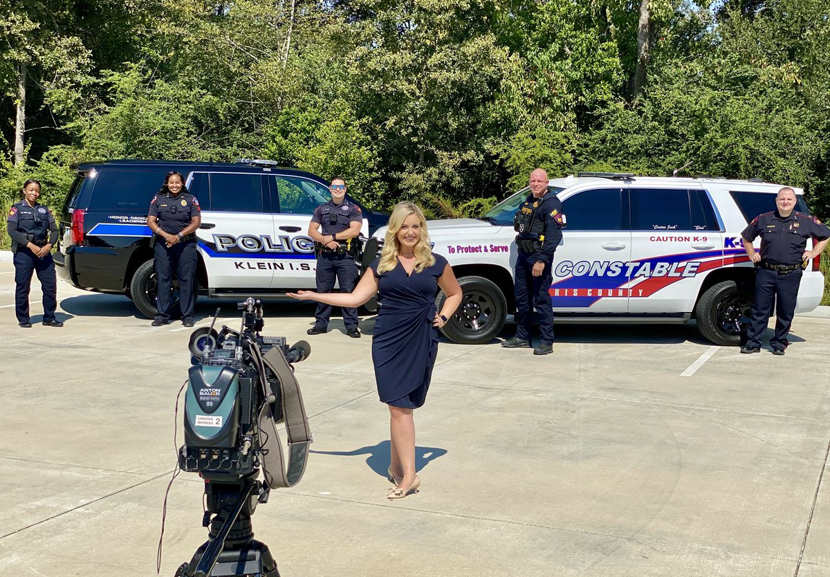 Great working with #HarrisCountyPrecinct4 Deputy Constables on a special shoot for @cw39houston. 🎥👮🏾♀️👮🏼  Thank you for all that you do & serving our community! 💙 #cw39 #houston #maggieinthemornings #wheresmaggie #harriscountyprecinct4 #harriscountydeputy #backtheblue #roadrules https://t.co/mfOsoxJX45