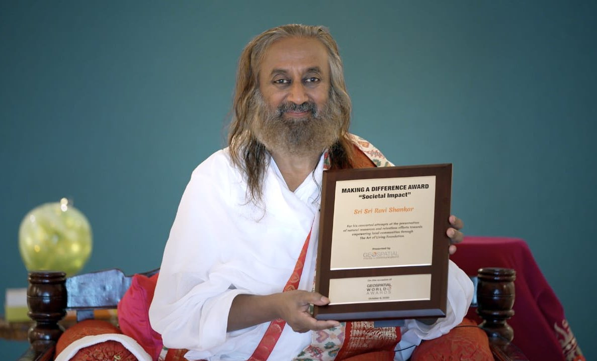 Received the Geospatial World Award for Societal Impact from Geospatial World Forum. The credit for this award goes to our @ArtofLiving volunteers. https://t.co/UmMfEMektX