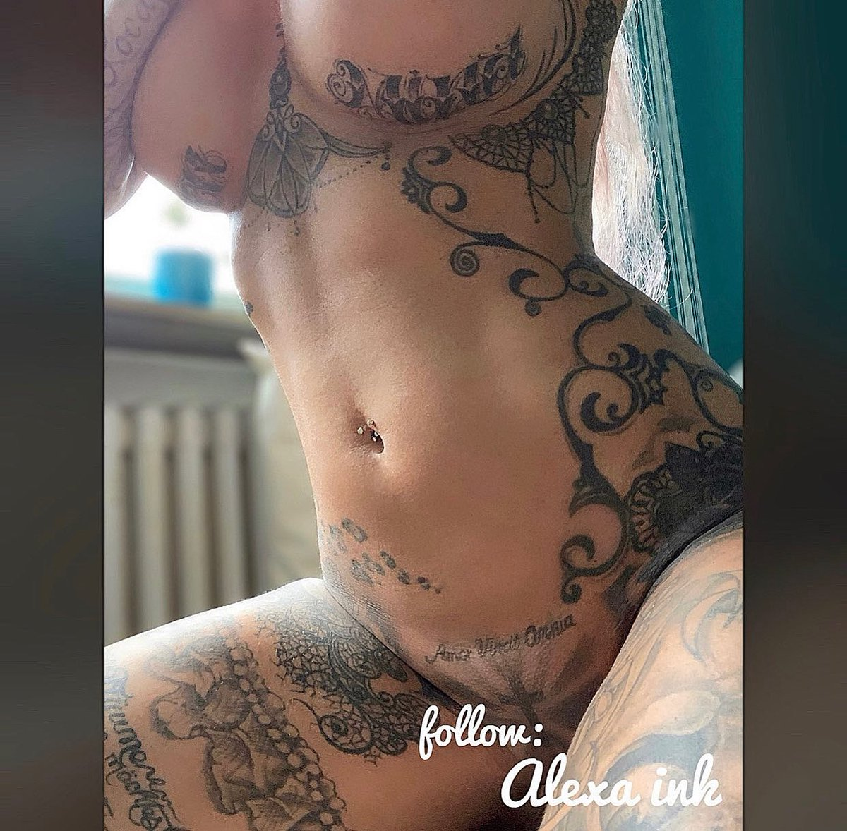 Model alexa nackt ink