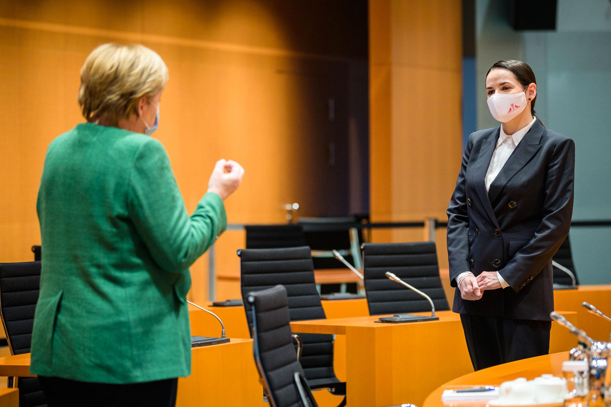 """Steffen Seibert on Twitter: """"Kanzlerin #Merkel empfängt Swetlana  #Tichanowskaja, die Präsidentschaftskandidatin und Leitfigur der Opposition  in #Belarus.… https://t.co/U5ve183LOj"""""""