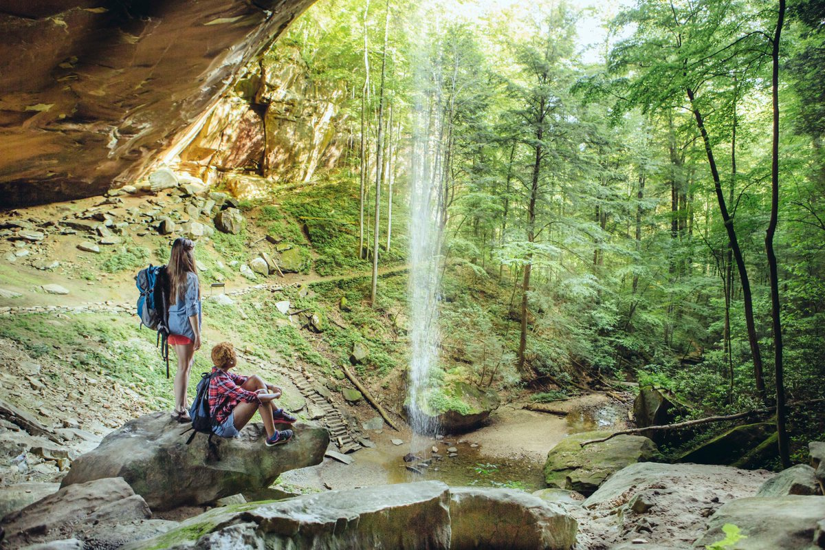 Surprises await in the Bluegrass State! Order a FREE Kentucky Visitor's Guide and plan your trip. #StayCloseGoFarKY https://t.co/CaTf3VJ61o https://t.co/r6UcuwXv1g