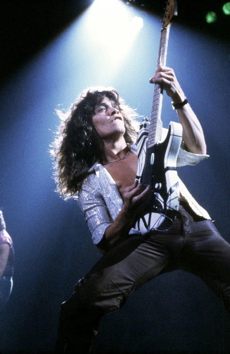 RIP #EddieVanHalen.. ❤️ #GuitarLegend