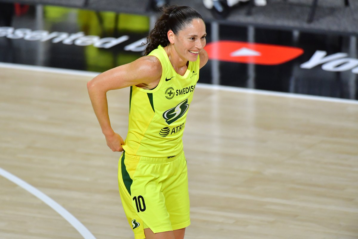 Sue Bird has won her 4th ring in Year 17.  Greatness has no limits. https://t.co/UIwaBwJ7km