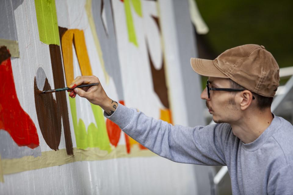 Już jutro w Warszawie i Pradze uroczyste odsłonięcie murali zainspirowanych wydarzeniami 1980 r.  #Solidarnosc40 @NCK_PL