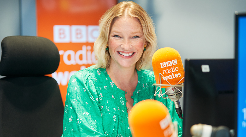 #GavinAndStacey's @jopage_ to present her own show on @BBCRadioWales: bbc.in/3lpSZqt