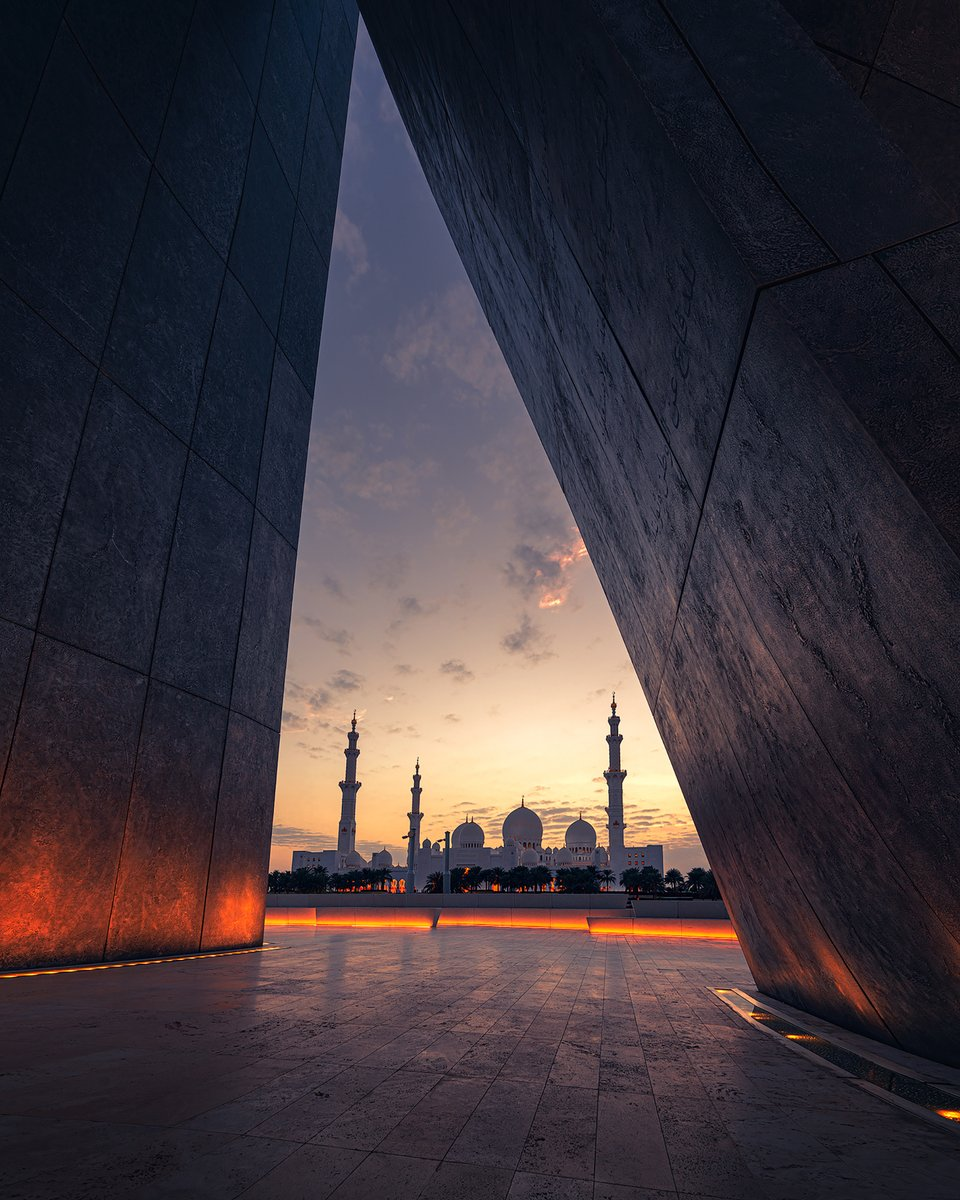Perspectives can vary but a spectacular vision remains forever! ⁣Located directly opposite Abu Dhabi's world-famous Sheikh Zayed Grand Mosque, Wahat Al Karama is a timeless tribute commemorating the UAE heroes.  #StaySafe #InAbuDhabi  📸 ra.visual/ Instagram https://t.co/NpKYRB72Eu