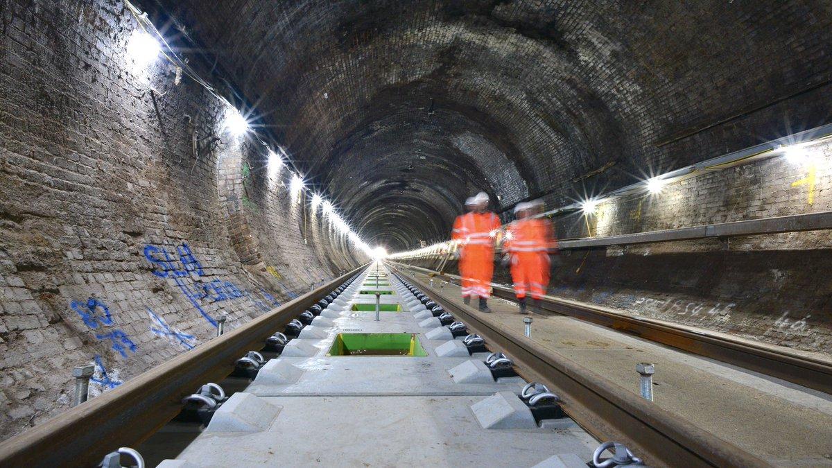 EjuupOuUYAEEcIx?format=jpg&name=medium - King's Cross tunnels & canal aqueduct #2