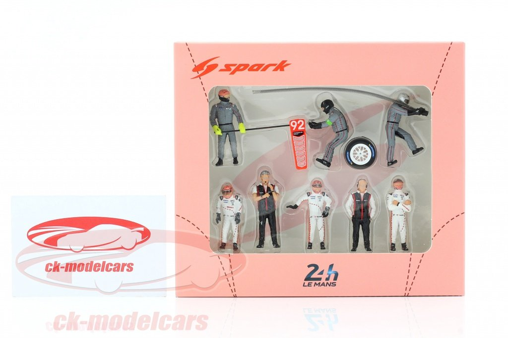 CkModelcars check out @CkModelcars for great images: #Porsche911 #porsche ... #Porsche911 #Porsche #911RSR #24hLeMans #LEMANS24 2018 No. 92 #pitstop #crew #miniatures scale 1:43 by #Spark check out https://t.co/DTR3Il3lsD 👍👍👍👍👍 https://t.co/gnNNIOi7nd