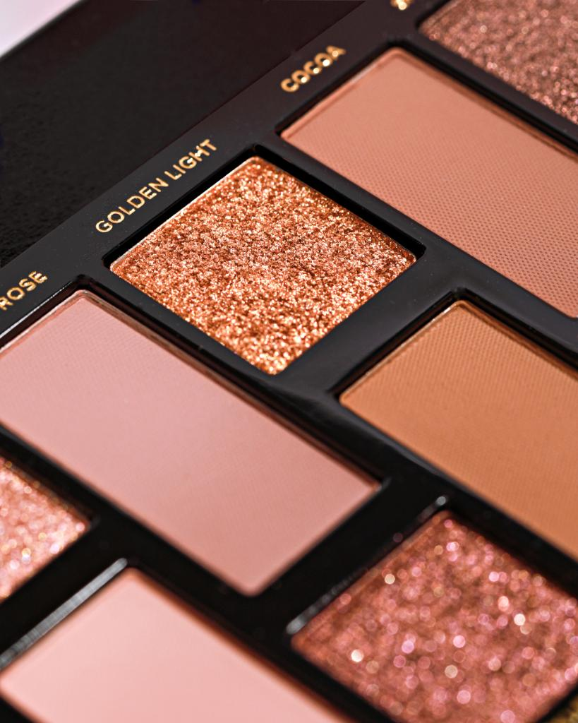 Why wait for ✨golden hour✨ when you can shine all day wearing the sultry metallic, shimmer, and sparkle shades in our Born This Way Eye Shadow Palette? Stock up here: https://t.co/iJZWnj2X1U #toofaced https://t.co/AvPNfOAzsG