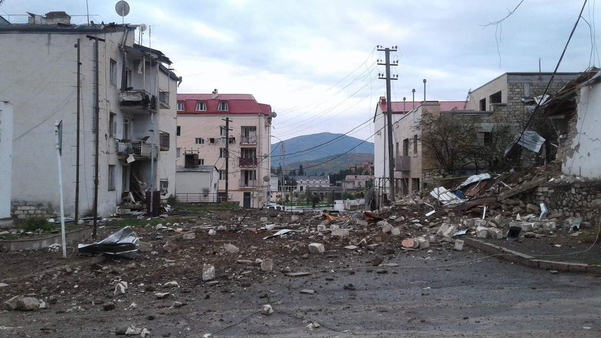 1/8 At night shelling of  #Karabakh's capital, Stepanakert, continued despite much-anticipated launch of diplomatic meetings later today. (Apologies for no credit to this photo; got it from social media)