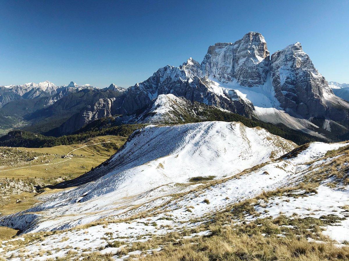 Cartolina in diretta sul Monte Pelmo https://t.co/...