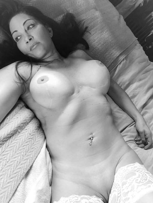 Well hello girls and boys I'm feeling very naughty this afternoon join me now on https://t.co/0cxTWDmsFz