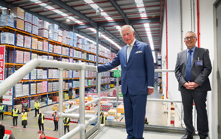 During a visit to #Belfast last week, @Charles_HRH thanked key #SPAR #retail and #wholesale workers who made such a difference during the #coronavirus #pandemic. He was visiting @SPARNI partner Henderson Group's warehouse in Mallusk. @SPARIreland https://t.co/4vstQhgnvO https://t.co/vfymY6xVDh