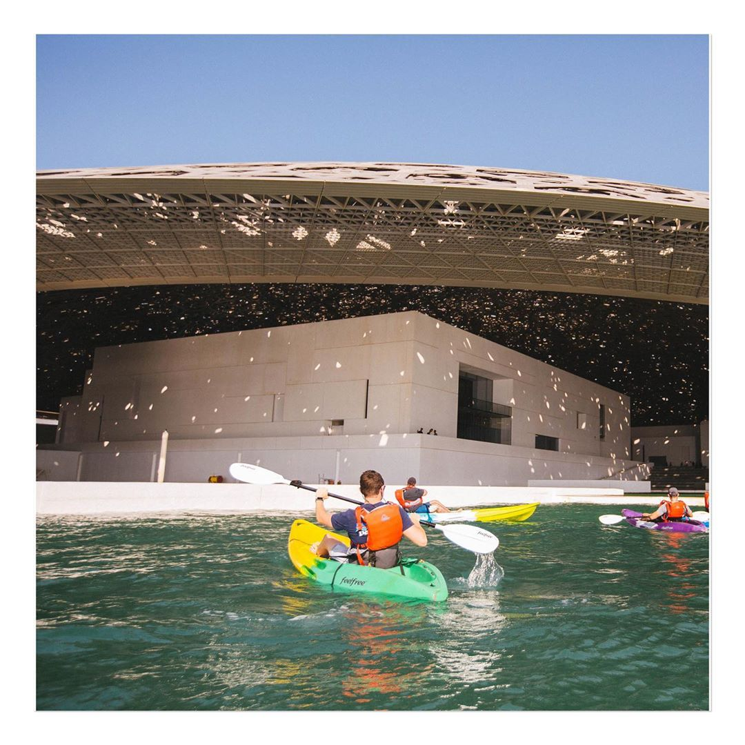 Enjoy the extraordinary architecture and stunning views of @LouvreAbuDhabi - the floating museum city through kayaking #InAbuDhabi. Your extraordinary moments are waiting for you, till then #StaySafe 📸louvreabudhabi/ Instagram https://t.co/6ihMVZlSYY