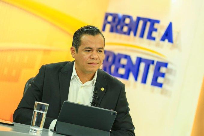 Hacienda llama a reunión a diputados y alcaldes por FODES