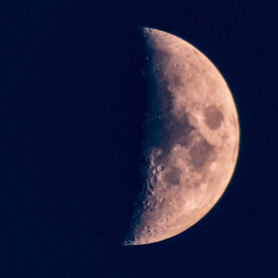 The moon tonight #blueskymoon #moonphases #waxingcrescentmoon #moonlight #weather #astrophotography #themoontonight #luna #moonshot #octobermoons #autumnmoons #octobernights #autumnnights #autumnsky #space #naturetherapy #canont7i #canonastrophotography https://t.co/1l1vl6qiV6