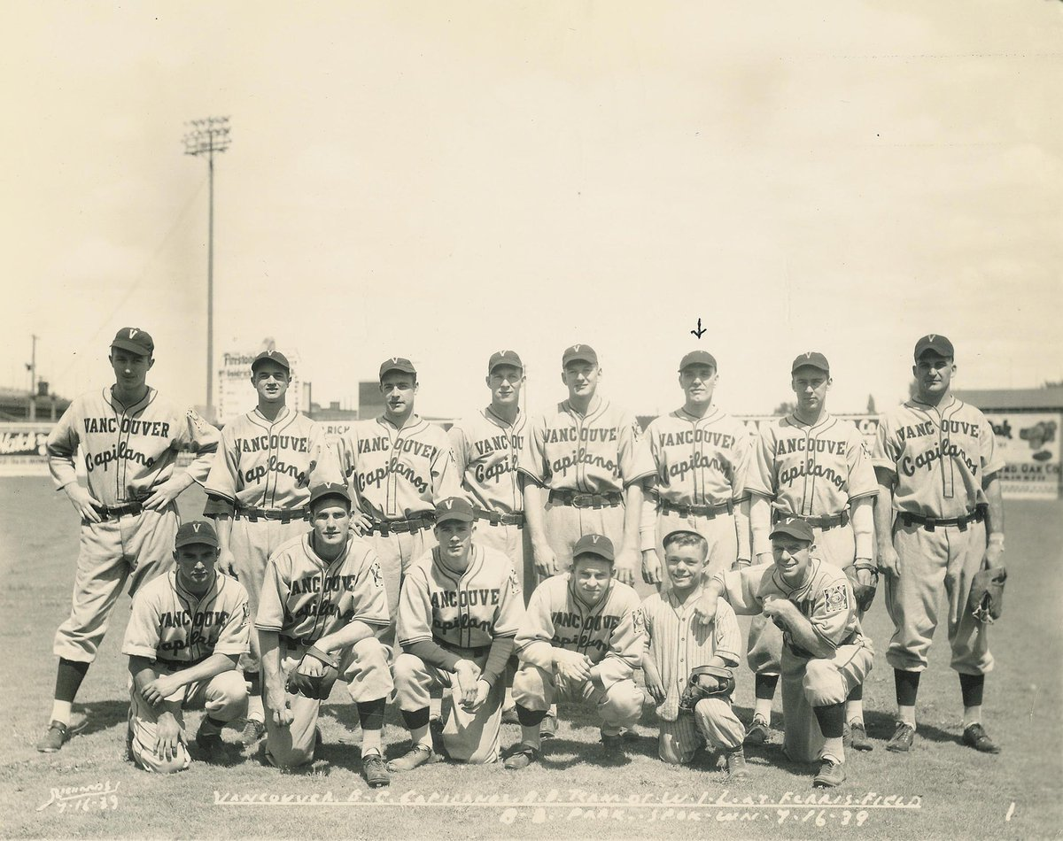 📸 Throwing it back to 1939 with this team photo of the Vancouver Capilanos.  #ThrowbackThursday | #AtTheNat https://t.co/R8L3aQL9X2