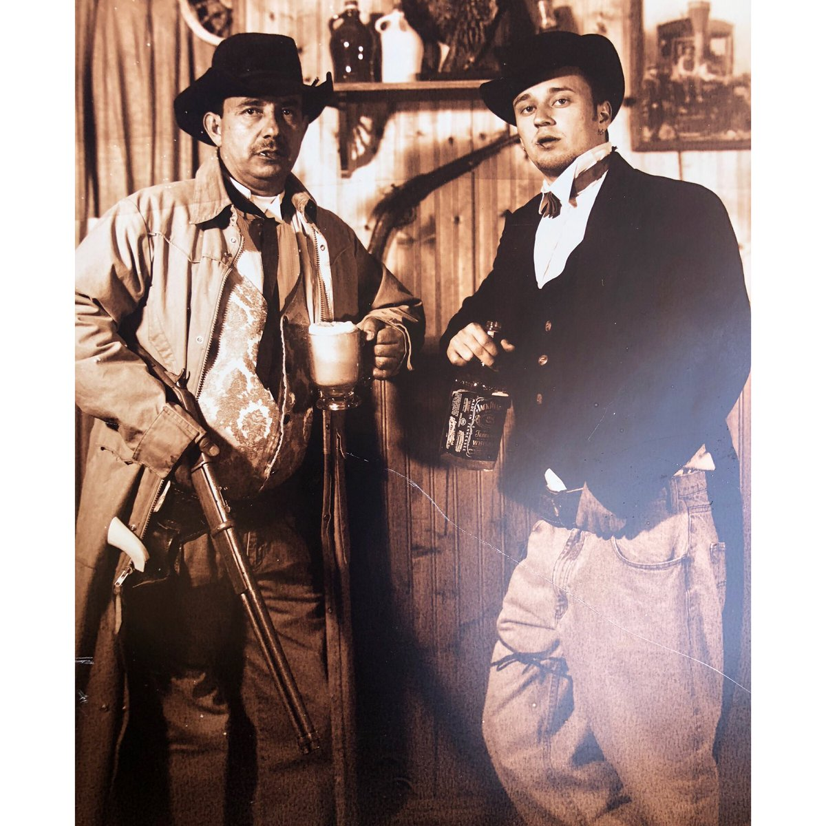 I'm your huckleberry.🤠🥃🍺 #throwback🔙 #throw🔙 #throwback🔙📷 https://t.co/K5M8vfSc2v