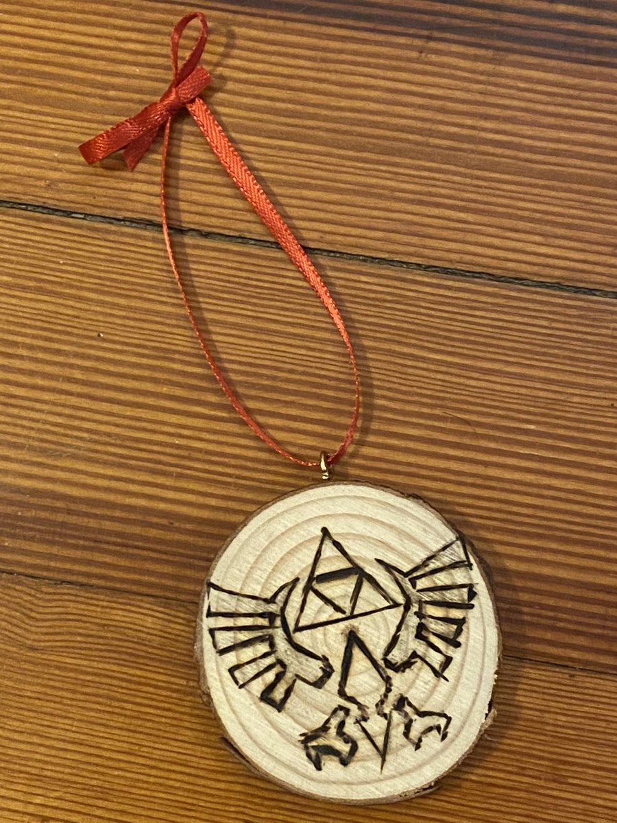 I eyeballed this so it's not so cute but yes I took on wood burning just so I could make my own Christmas ornaments
