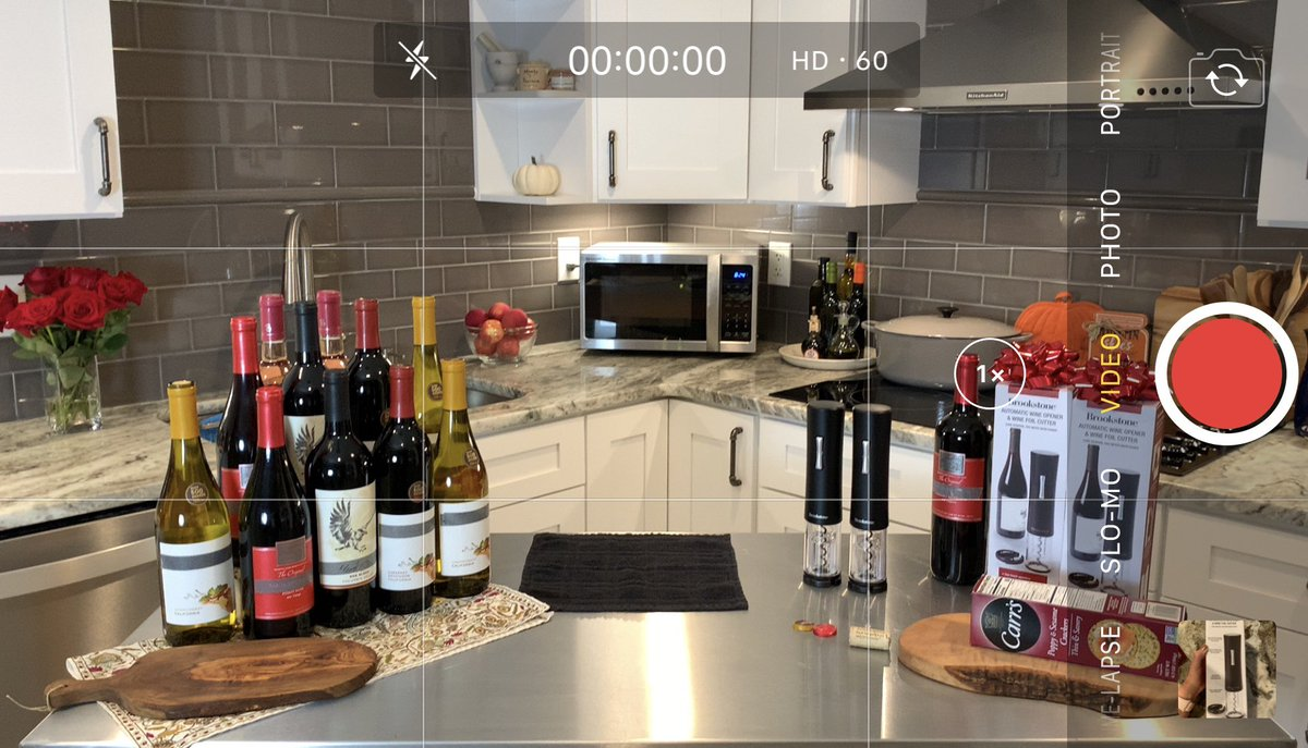 All set up and ready to air the @Brookstone wine opener on @HSN tonight!! Because, truly, we could all use easier access to wine in 2020 🍷 And we're getting into the season of giving 🎁 🎄 Tune in at 11! https://t.co/3XAnjGFR8s