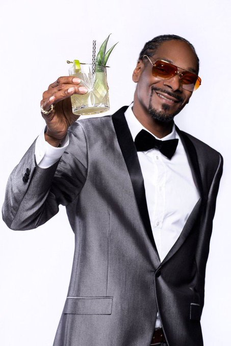 Happy birthday to American rapper and media personality Snoop Dogg, born October 20, 1971.