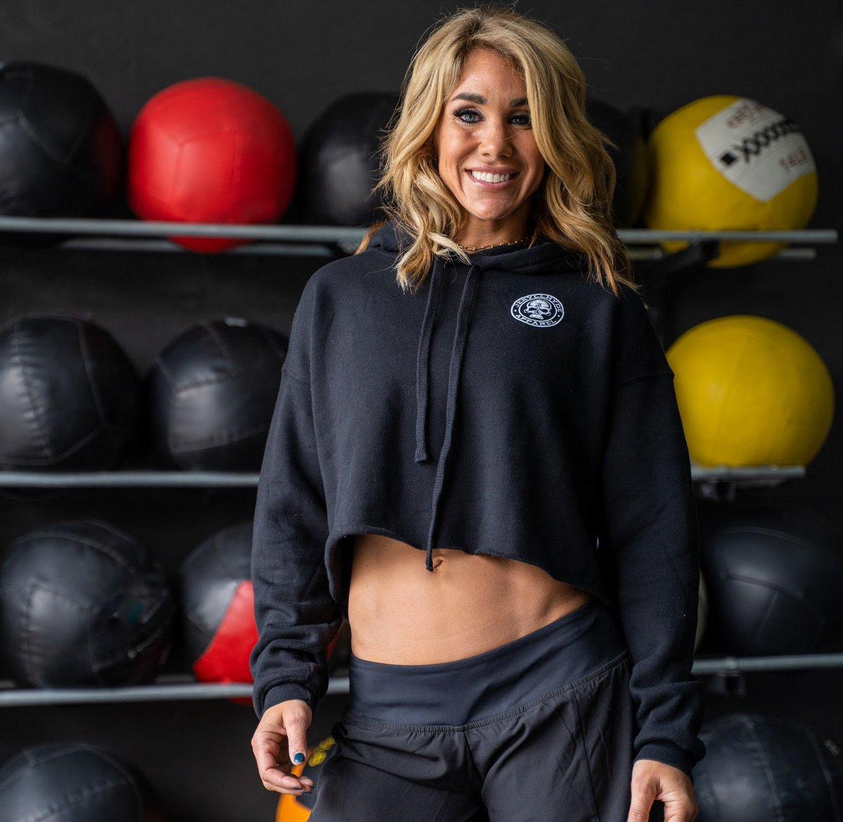 Only a few Premium Crop hoodies left! https://t.co/rXdvtxr5fP . . #crop #hoodie #pullover #fall #croptop #jekyllhyde #jh #skull #beaker #wallballs #fitness #gym #womenwholift #hwpo #fitwomen https://t.co/OYVxFQNVy5