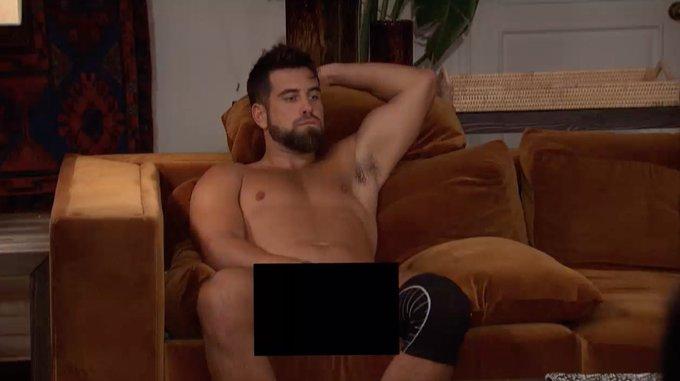 Blake Moynes - Bachelorette 16 - **Sleuthing Spoilers** - Page 3 Ek0O2jLWkAAg1mI
