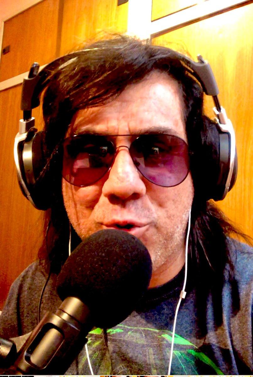 Ya empezó Atrapados ... escúchanos y míranos por https://t.co/dxZIiOiiZ6 #youtube #rock #musica #RockAndRoll #bandas https://t.co/60zVpehzND