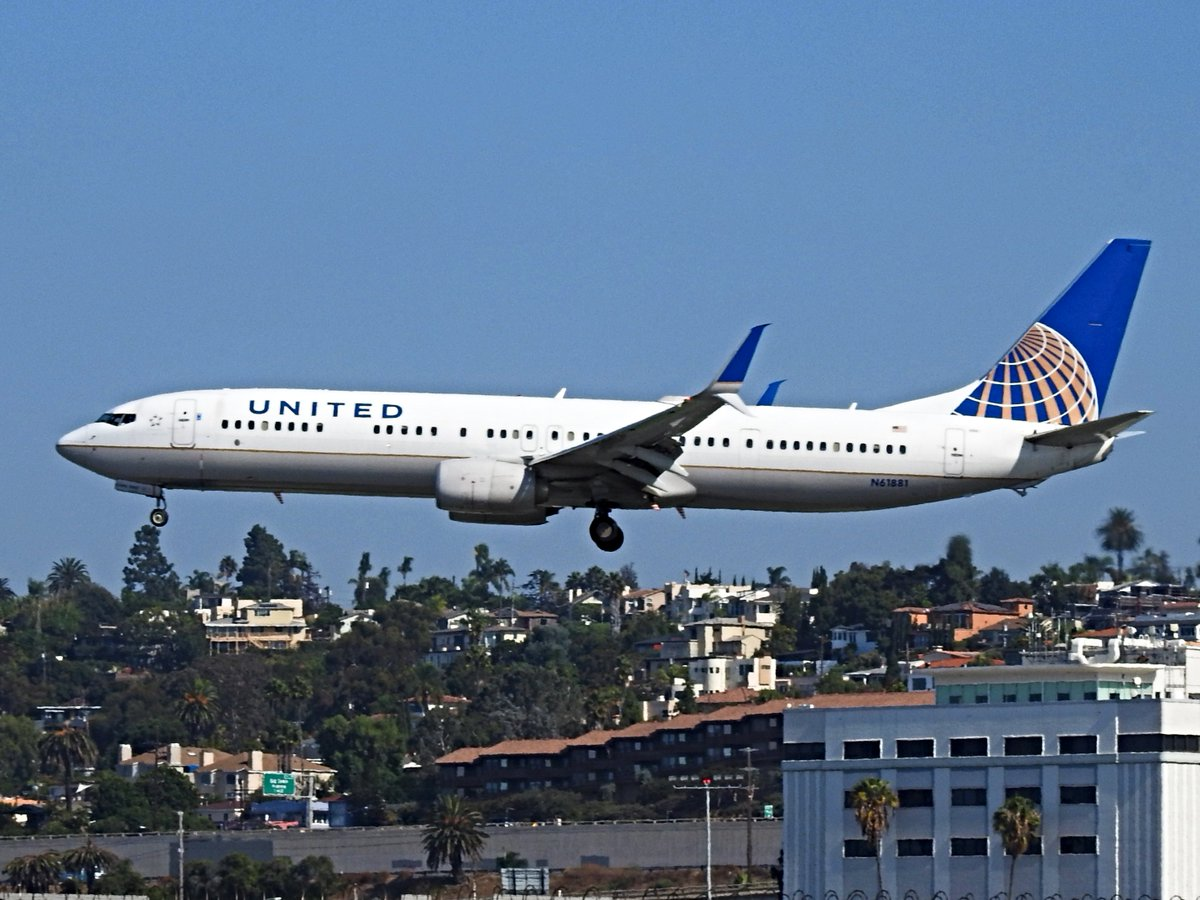N61881 ETOPS Boeing 737-924ER operating as United UA2037 landing KSAN runway 27 on 20 October 2020. This plane flew one flight today, from Chicago to San Diego, then it was done for the day. #avgeek #planespotting https://t.co/xSgIyx4xzJ