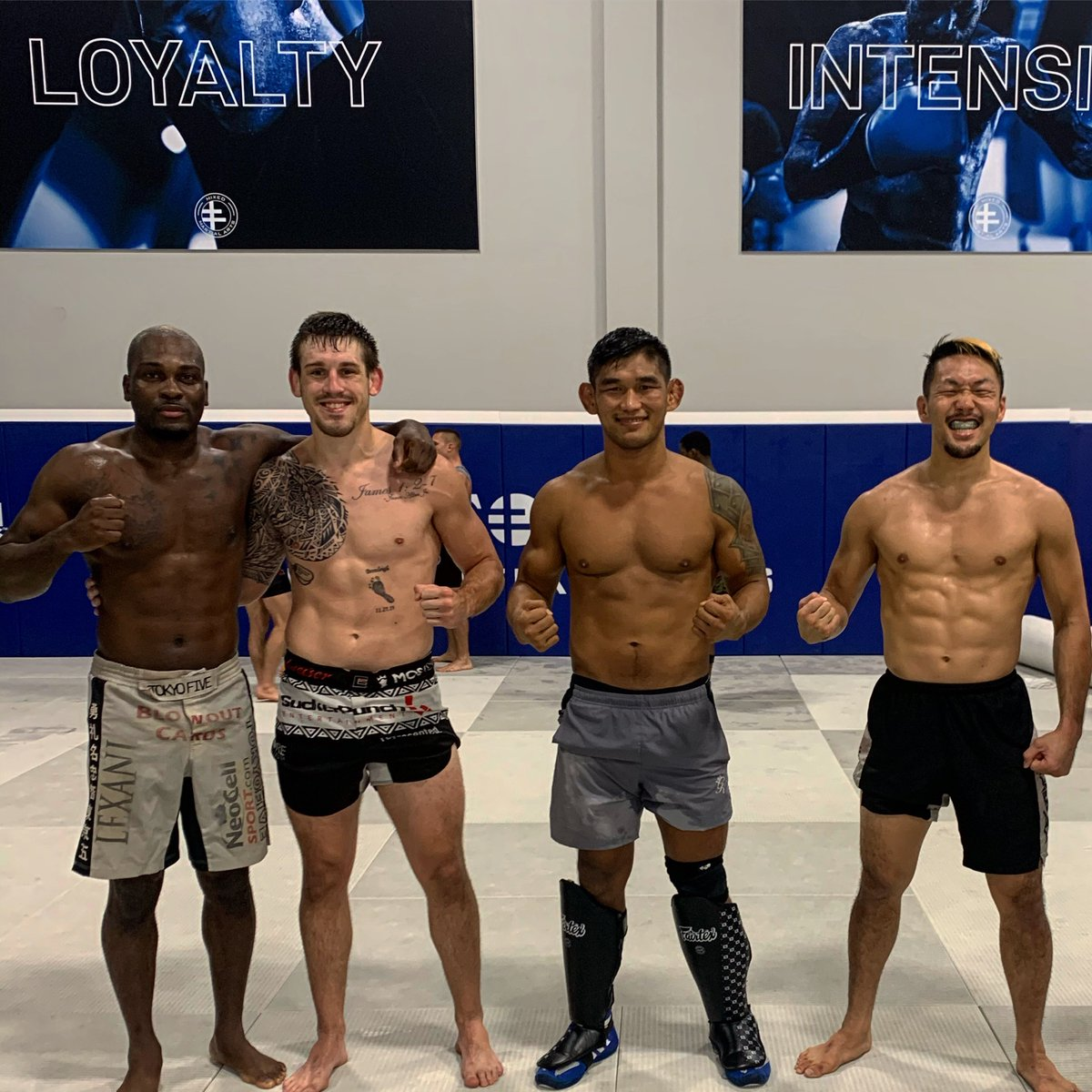 Did my last rounds with these three before I fly ✈️ out to Singapore 🇸🇬!  Our fight Island 🏝 . Thank you so much! @DerekBrunson @BrendanAllenMMA @satotenten and all my teammates at @MmaSanford 🙏🏽🙏🏽🙏🏽our trainers @henrihooft @CoachGJones @DrCPeacock Kami @BurnsBJJ @Vagner_Rocha https://t.co/UiLmnImnCH