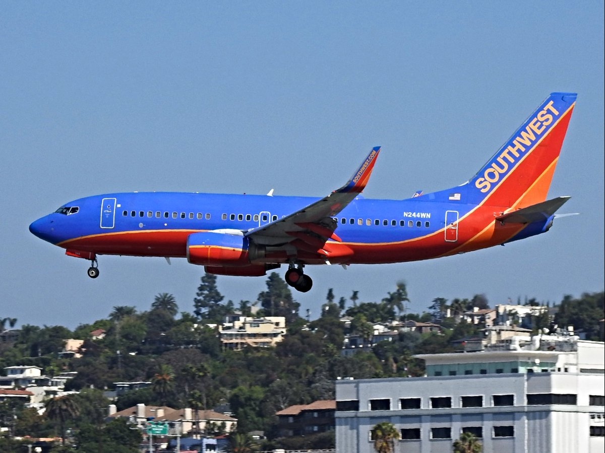 N244WN Boeing 737-7H4 operating as Southwest WN280 landing KSAN runway 27 on 20 October 2020. This is my first photograph of this plane. I am working my way, slowly and surely, to photographing the entire Southwest fleet. #avgeek #planespotting https://t.co/emVdVeMlCv