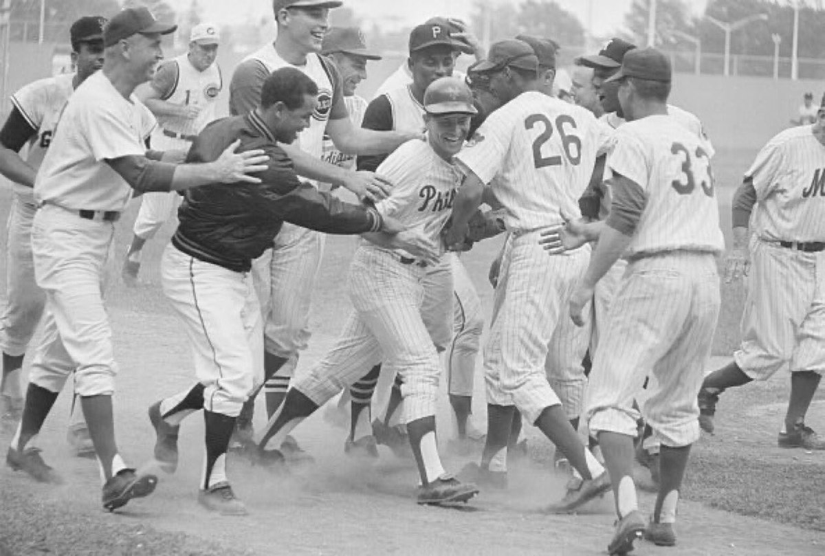 """Old Days""The Phillies Johnny Callison is mobbed by happy NL Teammates after his Game Winning HR in the 1964 All Star Game at Shea Stadium..#MLB #NYC #1960s #Phillies #philadelphia https://t.co/crapzJ6G0J"