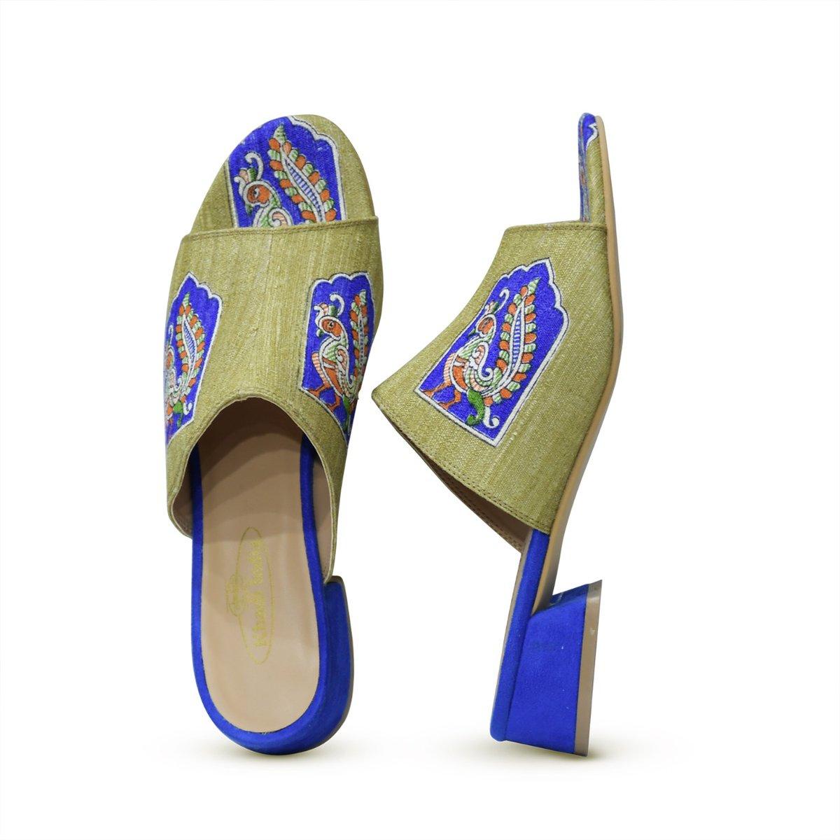 "Chairman KVIC on Twitter: ""Hon'ble Minister MSME Shri @nitin_gadkari ji &  Hon'ble Shri @pcsarangi ji launched India's First Khadi Fabric Footwear, a  historic step towards Local to Global.Exquisite fabric like Patola &"