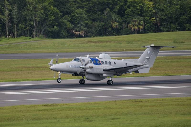 US Customs and Border Protection orders two more Special Mission Beechcraft King Air 350CER. Read more 👉https://t.co/G4tqaRcHKv #aviation #aviationdaily #aviationlovers #aviationnews #defence #avgeek #avgeeks #Aircraft https://t.co/WIReYokpwO