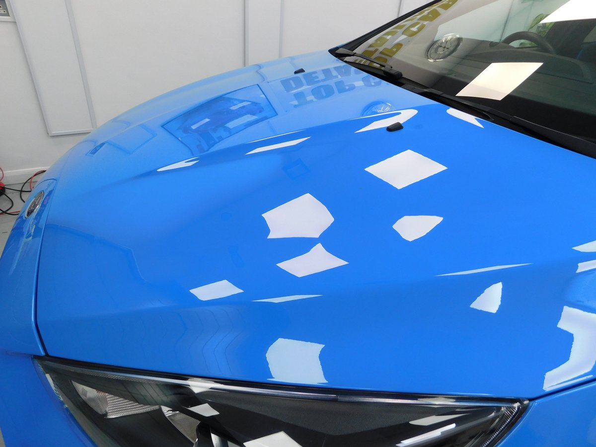 Now turning the Ford Focus RS into a Mirror, still lots to do on this fantastic car catch you later #ford #fordfocusRS #detailing #carcare #cardetailing #NorthWestHour #Manchester #Liverpool #Cheshire #Lancashire #Wirral @sthelenstownfc https://t.co/bgZPGgRAzz