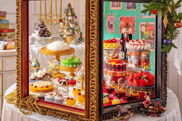 ヒルトン東京で新デザートビュッフェ「クリスマス マジカル・ウィンドー」遊び心溢れる30種のスイーツ🎅🎄🍓💚#スイーツ #デザートビュッフェ 【ほか写真あり】