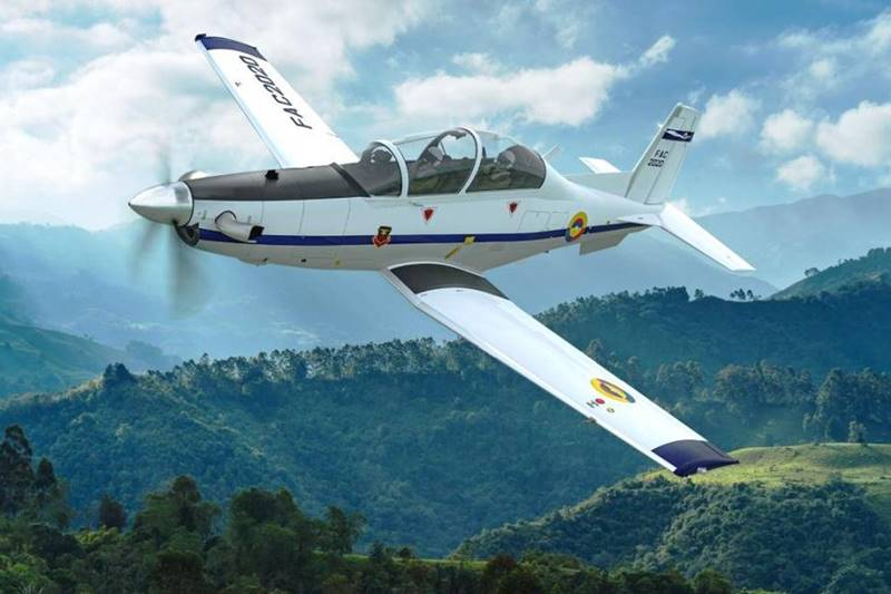 Colombian Air Force selects T-6C Texan II trainer aircraft. The choice does not excite some FAP officers. Read more 👉https://t.co/iJ2uphLPPZ #Colombia #aviation #aviationdaily #aviationlovers #aviationnews #defence #avgeek #avgeeks #Aircraft https://t.co/TU3zlrmUW2