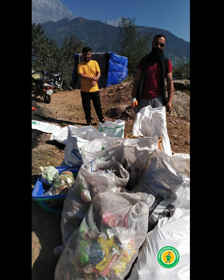 After Lockdown, Trashing is Back! https://t.co/VFuGbQFHbm  #dhauladhar #mountains #dhauladharcleaners #nature #clouds #cleanup #camping #himachalpradesh #himachal #india #bharat #delhi #Bangalore #reddit https://t.co/QakkozEws7