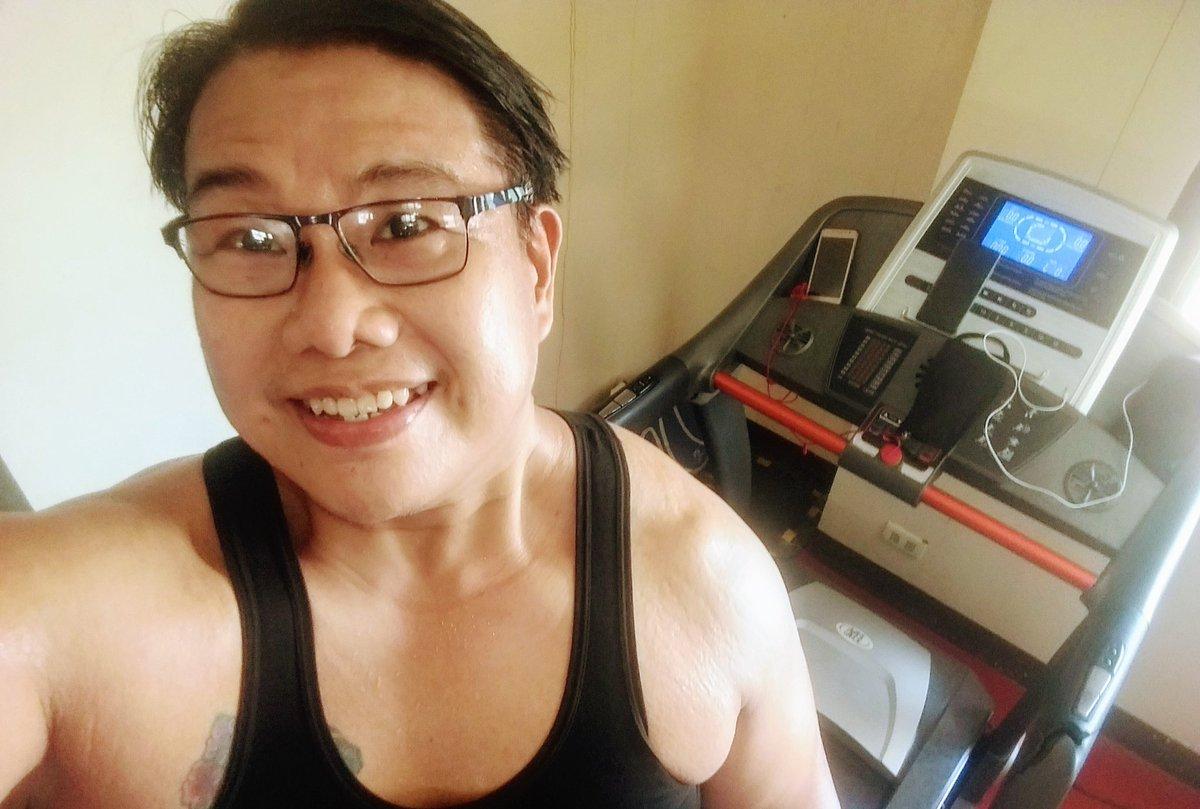 #smile #selfie #zumba #noexcuses #exercise #workout #HealthyAtHome #fitness #gymtime #weighttraining #weightloss#beastmode #friends  #coronavirus #virtualclass #love #lakers #lakeshow #goodvibes #SocialDistancing #Quarantine #WeHealAsOne #FlattenTheCurve #zumbezties https://t.co/7DVgdl7VEI
