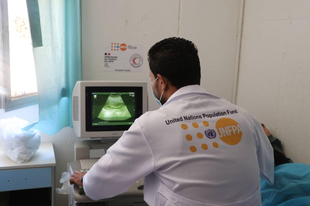Striving for a 🌍 where every pregnancy is wanted & every childbirth is safe  In #Ghat, @UNFPALibya @LibyaRC's mobile medical unit assisted 84 👩 50 🧒 with obstetric/gynecological & pediatric consultations & procedures, ensuring the safe delivery of 1 newborn. 🙏@AmbaFranceLibye https://t.co/xEX5Q4nRzq