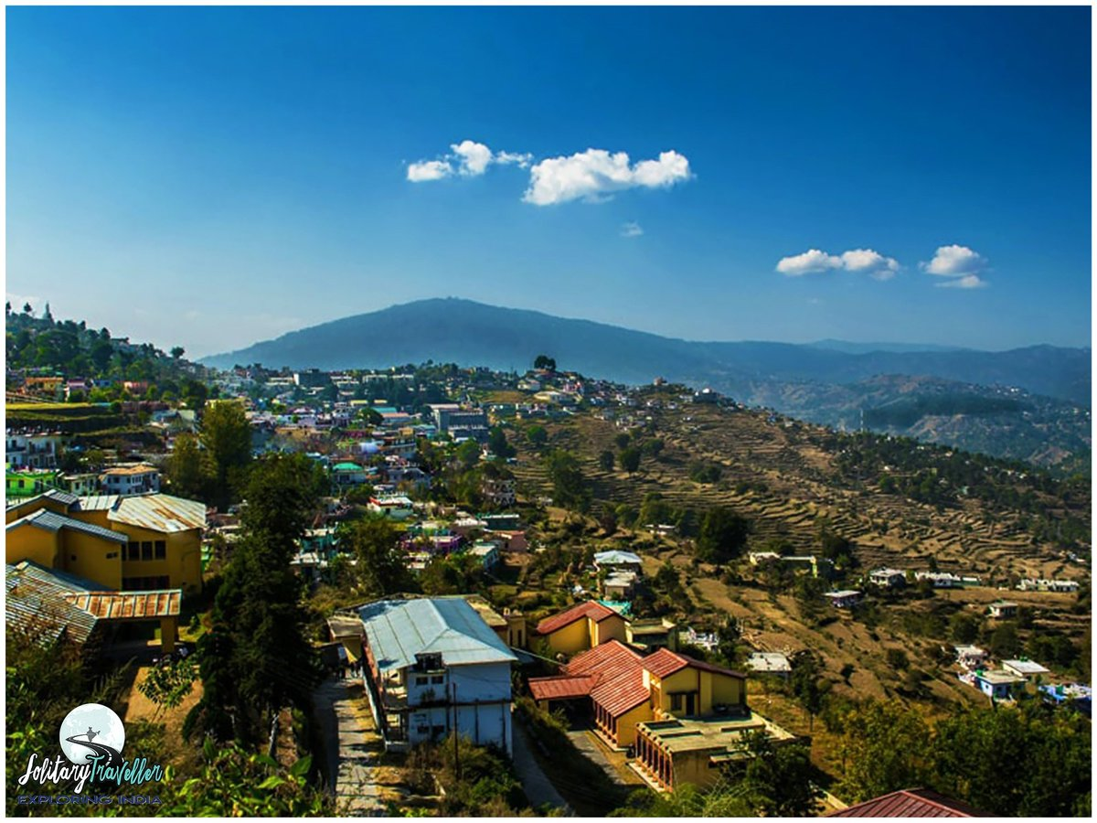 Almora - A beautiful hill town on the Kumaun hills of Uttarakhand.   Link below⬇️ https://t.co/RrWLmDTuiP  Image Source: Google  #almora #kumaunhills  #uttarakhand  #uttarakhandtourism  #incredibleindia  #indiantourism  #travelconsultant  #solitarytraveller https://t.co/5xPkP8nmga