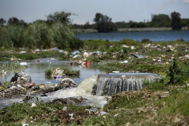 National News | Scepticism rife after R911-million allocated to 'solve' Vaal River pollution: https://t.co/kLEX1po6o3 https://t.co/rCNjA7ybIb