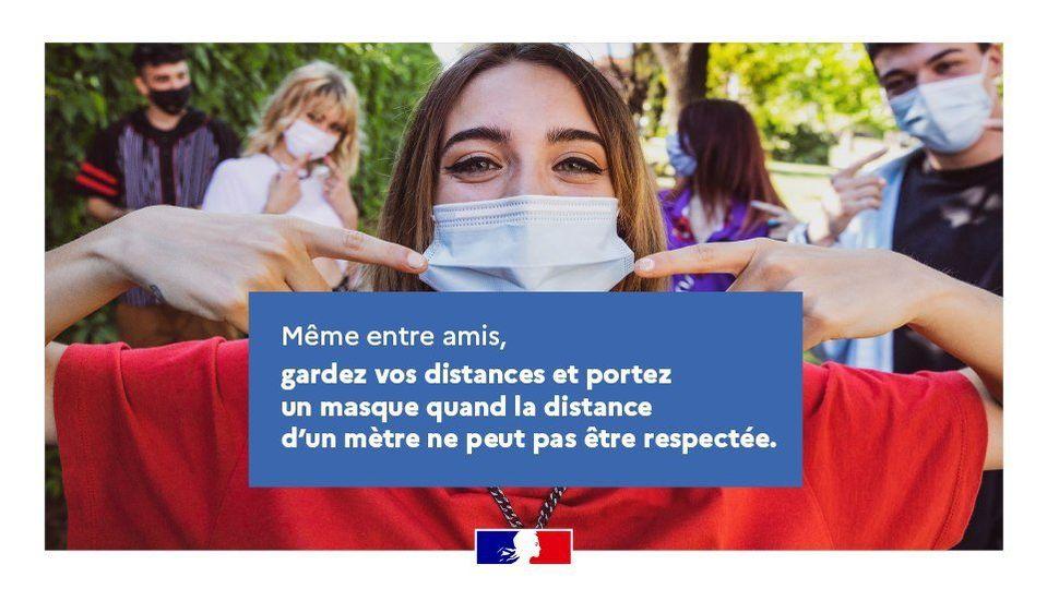 #COVID19 🦠 Continuez à protéger votre santé & celle de vos proches  👧↔️👨🏾🦱↔️👩🏻↔️🧔🏿 ✅Même entre amis, gardez vos distances et portez un masque quand la distance d'1 mètre ne peut pas être respectée 😷 👉https://t.co/4vYGX2kio1 via @MinSoliSante #coronavirus https://t.co/YYBejZI8GC