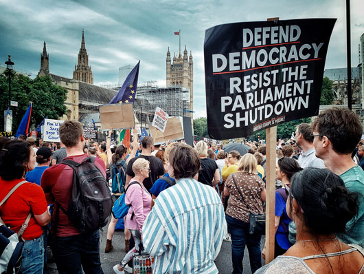 Today's the day! #OxfordPutneyDebates goes live at 4pm w/ @mjg_constitlaw @LivUniSLSJ on the Future of Parliamentary Sovereignty  Get our political predictions post-#prorogation & #pandemic & join the Debates w/ @JoshuaRozenberg & Denis Galligan  Book Now: https://t.co/KU7HNL1ZfQ https://t.co/UStXKaKfEe