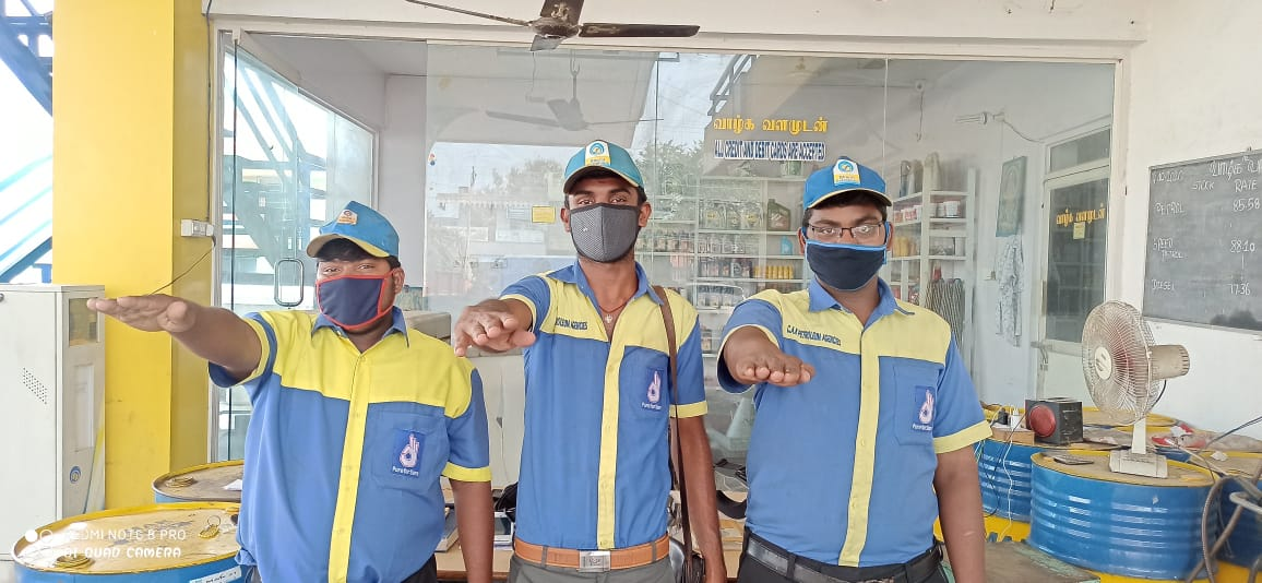 COVID-19 awareness message at our @BPCLimited Fuel stations in Karur Retail Territory. @BPCRetailSouth @8singhi @BPCLRetail @ravips25 #Unite2FightCorona https://t.co/Y3tSxEyG4w