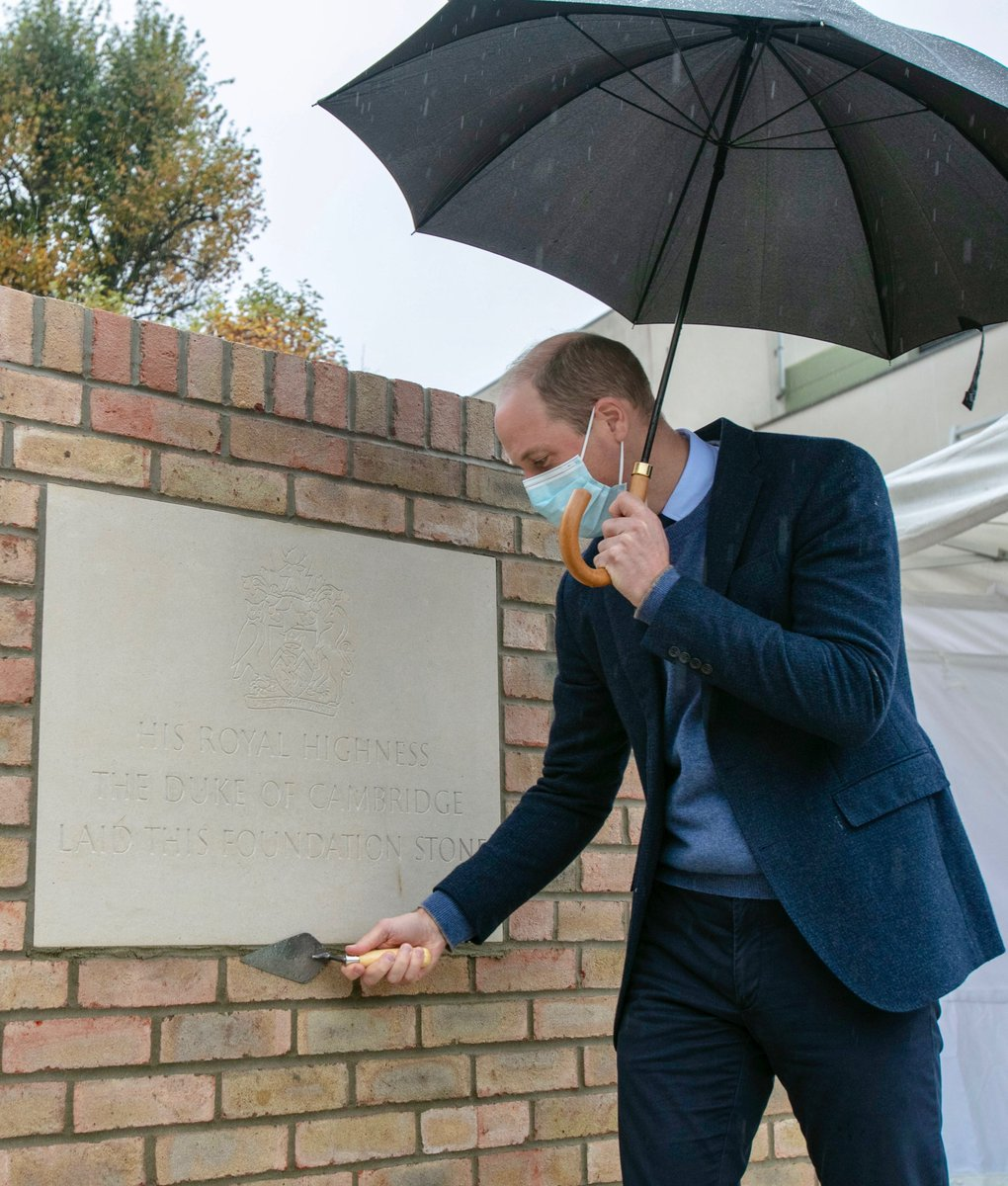 30 years after Diana, Princess of Wales, laid a ceremonial foundation stone to commemorate the building of the Chelsea Wing at @royalmarsden in Chelsea, Prince William visited The Royal Marsden in Sutton to mark the start of construction for the Trust's Oak Cancer Centre. https://t.co/lycnCdLDgv