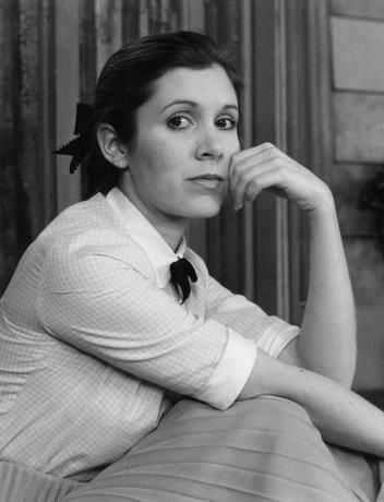 Happy birthday to Carrie Fisher !  missing her a lot today :(