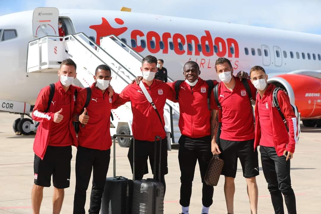 🇹🇷 Merhaba İspanya, merhaba Villarreal FC biz geldik. 👋  🇪🇸 Hola España, Hola @VillarrealCF Ya hemos llegado 👋 https://t.co/lkKB9B5eDZ
