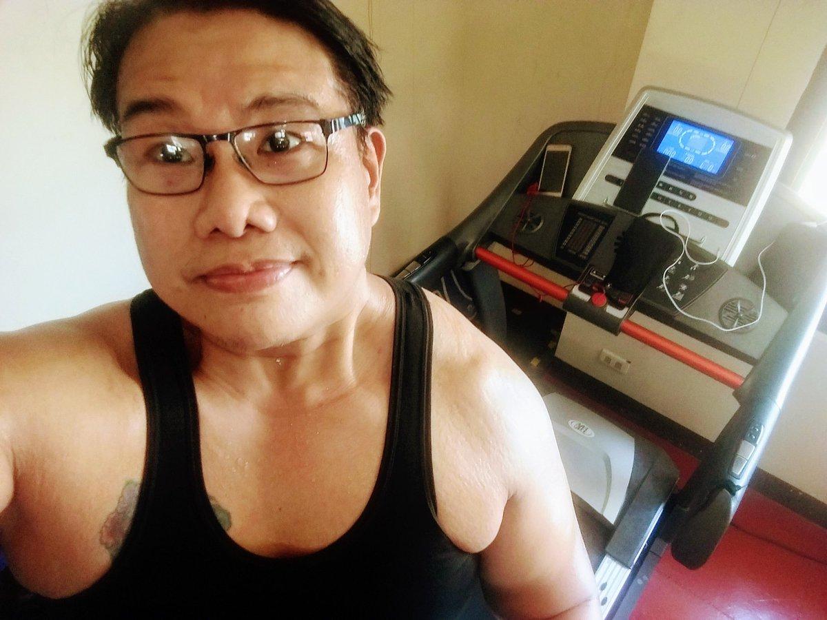 #smile #selfie #zumba #noexcuses #exercise #workout #HealthyAtHome #fitness #gymtime #weighttraining #weightloss#beastmode #friends  #coronavirus #virtualclass #love #lakers #lakeshow #goodvibes #SocialDistancing #Quarantine #WeHealAsOne #FlattenTheCurve #zumbezties https://t.co/5FP3Oh7fKo