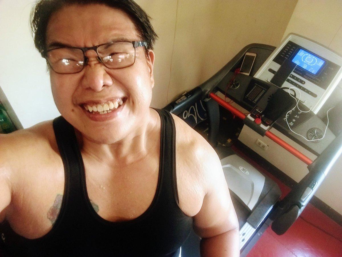 #smile #selfie #zumba #noexcuses #exercise #workout #HealthyAtHome #fitness #gymtime #weighttraining #weightloss#beastmode #friends  #coronavirus #virtualclass #love #lakers #lakeshow #goodvibes #SocialDistancing #Quarantine #WeHealAsOne #FlattenTheCurve #zumbezties https://t.co/ap1nZ7YVBp